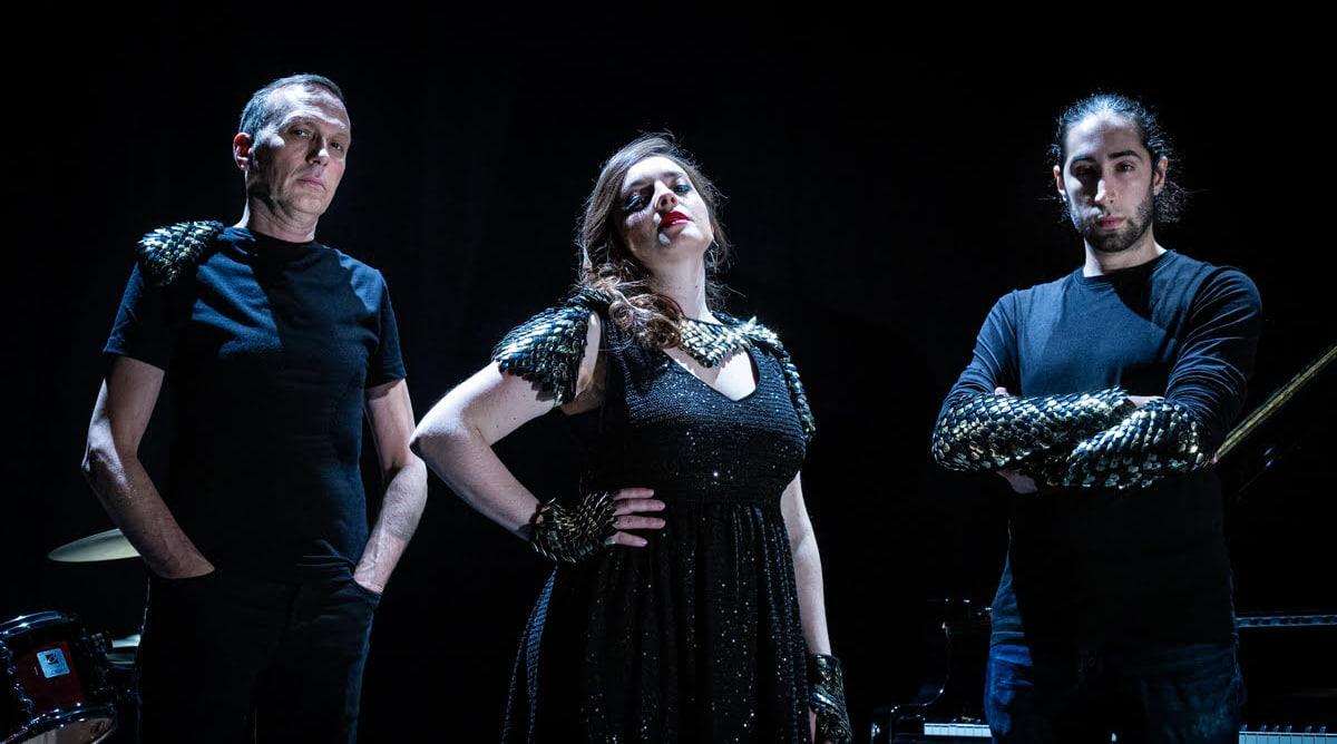 """Le trio aixois Origine affirme son style hard pop avec """"Broken game"""""""